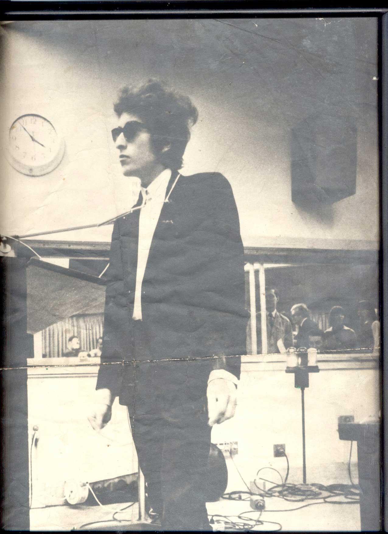 93f7ffbc0a Bob Dylan - Expecting Rain - Archives 2004